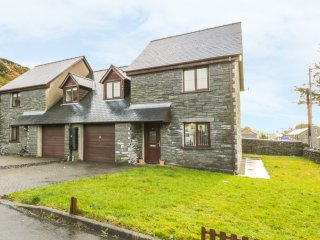6 STAD YR YSGOL, en-suite, WiFi, amenities walking distance, Ref 954618