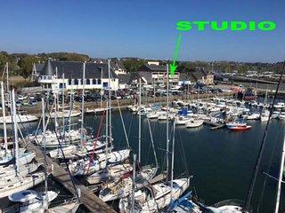 Studio vue mer et port de plaisance sans vis à vis autre que les bateaux