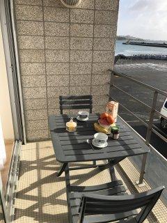 la terrasse du studio avec vue mer