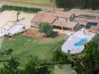 94918 3-bedroom villa, airco, garden 7000m2, ideal for children, pool 8 x 4 mtr.