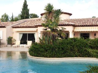 33562 4-bedroom, 3 bathroom villa, 2 pools in garden 4300m2, centre 3 km, BBQ