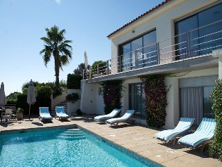 134635 4-bedroom villa, full sea view, heated pool 10 x 5, airco, beach 250 mtr.