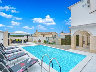 4 bedroom Villa in Danijeli, Istria, Croatia : ref 5512391