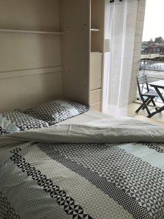 un lit de 140 très confortable