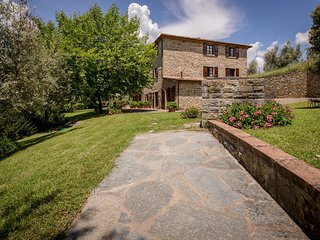 2 bedroom Apartment in Castiglion Fiorentino, Tuscany, Italy : ref 5474649