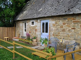 Cosy cottage ideally located between Mont St Michel and Landing Beaches