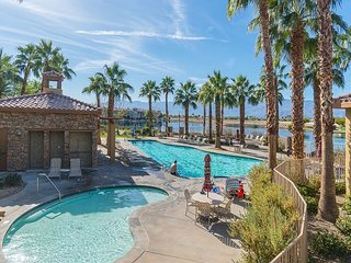 3BR + Bonus Room at Terra Lago - Patio, BBQ, Pool, Spa & Golf