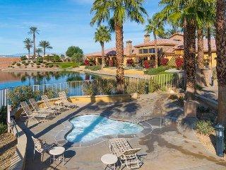 3BR + Bonus Room at Terra Lago - Patio, BBQ, Pool, Spa & Golf