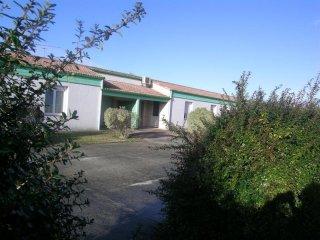 ARVERT - Petite maison CONFORT avec patio