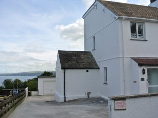 Chy-an-mor - stunning well equipped 4 bedroom house with beautiful sea views