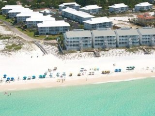 Gulf View Condo, flat screen TVs, with a Heated Pool