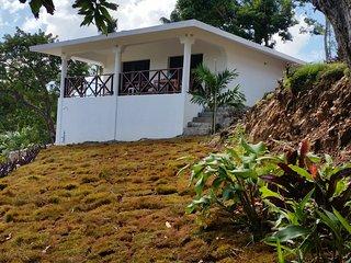 Hilltop Studio-Bungalow Ballenas, Villas Samana Bay