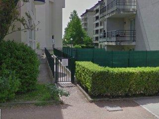 Dijon centre au Rdc 2 Chambres, jardin clos , ideal famille.