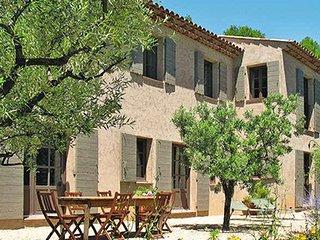 93770 4-bedroom, 4 bathroom villa, pool 11 x 4, rural,but centre of Lorgues 3 km