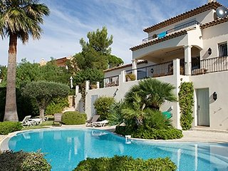 33490 villa for 12, full sea view,heated pool 11 x5, partly airco, beach 300 mtr