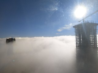 Room above the cloud, Brandnew modern highrise Condo by Metrotown