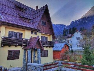 Casa Mina (***) Bușteni