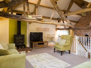 Barn Conversion, contemporary yet cosy, beams galore - ideal for northern lakes