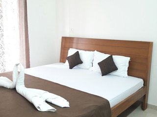 Valuable Stays 2 BHK Pool View Suite near Baga! ☆ POOL ☆ WIFI ☆ BREAKFAST ☆
