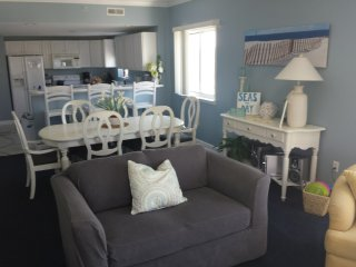 OCEAN BLOCK, 3BR, 3 Bath, Perfect location for your Ocean City Stay