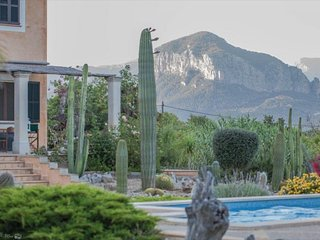 Beautiful country house with pool, at the foot of the Alaro mountains, Mallorca.