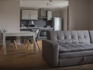 Glasgow East Apartments - Free Wifi, Parking, Walk to Emirates & Celtic Park