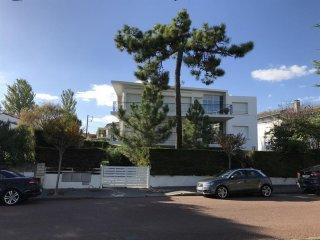 APPARTEMENT en rez-de-chaussée avec jardin - FACE PLAGE FONCILLON