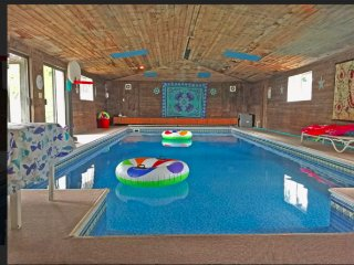 Inside Heated Pool Home - Spokane