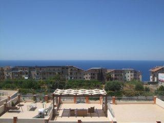 Borgonovo Holiday Apartment (12F)