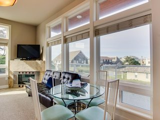 Beautiful condo with partial ocean views - close to the Oregon coast