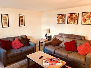 Enhance Cleaning, 2 bedroom Private Flat, Walk to Museums, Cafes, Pub. Trans.