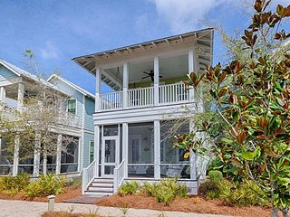 Your Pet Friendly Watercolor Beach Retreat! 4 Bdrms, Close to Dragonfly Pool