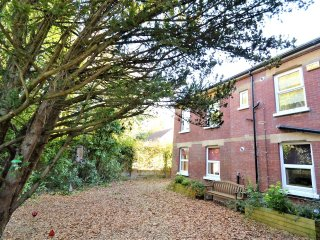 Yew Tree Apartment Two Ryde