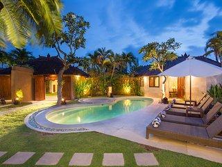 Dyana, 3 Bedroom Villa, Near Beach, Central Seminyak