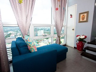 1 Bedroom Loft Condo With Spectacular View of Cebu City