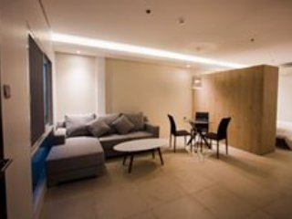 Brand new fully furnished 35sqm studio apartments w free Wifi 100mpbs