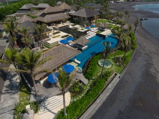 Absolute 6 Bedroom Beach Front Villa in Pabean Beach;