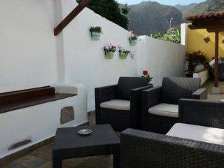 Casa el Olivo con terraza y barbacoa