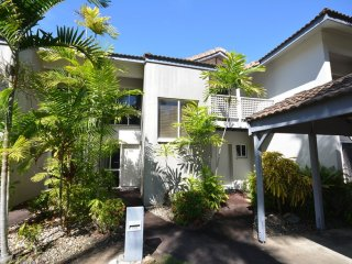 2 bedroom Villa in Reef Resort complex Port Douglas