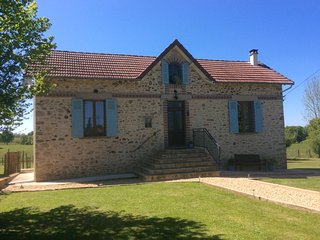 La Jolie Maison, detached rental cottage in the Perigord-Limousin National Park