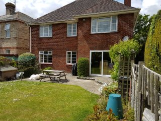 Ground Floor Garden Apartment, near Alum Chine beach. WiFi. BBQ. Private garden.