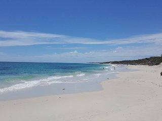 Beachside Beauty - Just a short walk to the Beach!