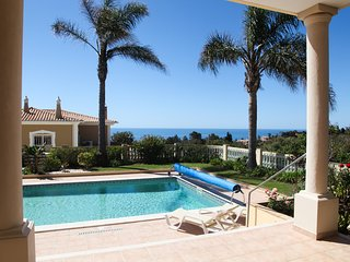 'Casa G' Beautiful modern Villa, full air-conditioning, sea views, private pool.