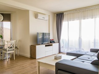 NEW APARTMENT NEAR THE BEACH & TRAIN STATION AND IN LA COLINA TORREMOLINOS