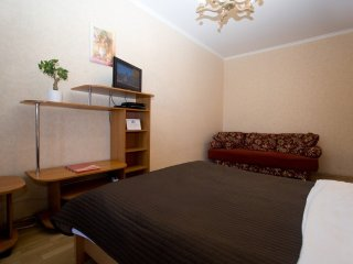 2-room apt. at Kiyevskaya metro (056)