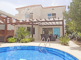 Cyprus Holiday Villa HERA Profile