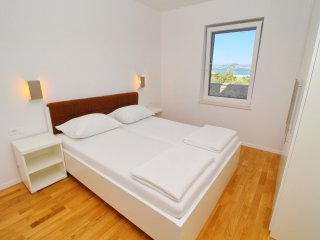 Apartments Kula - Two Bedroom Apartment with Terrace and Sea View C4