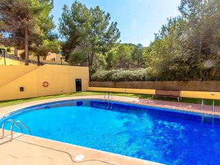 Catalunya Casas: Modern Condo in Tamarit for 6 guests, just 500m to the beaches