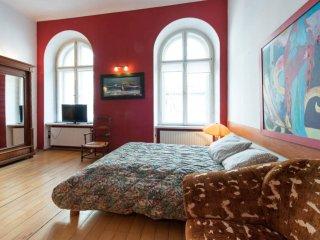Penguin Rooms 1203