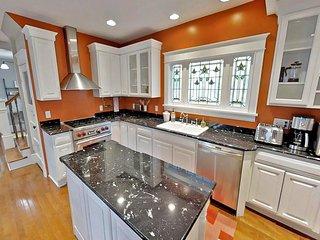 Linden Hills Luxury Charmer
